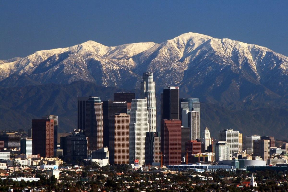 5 CANCIONES sobre Los Angeles
